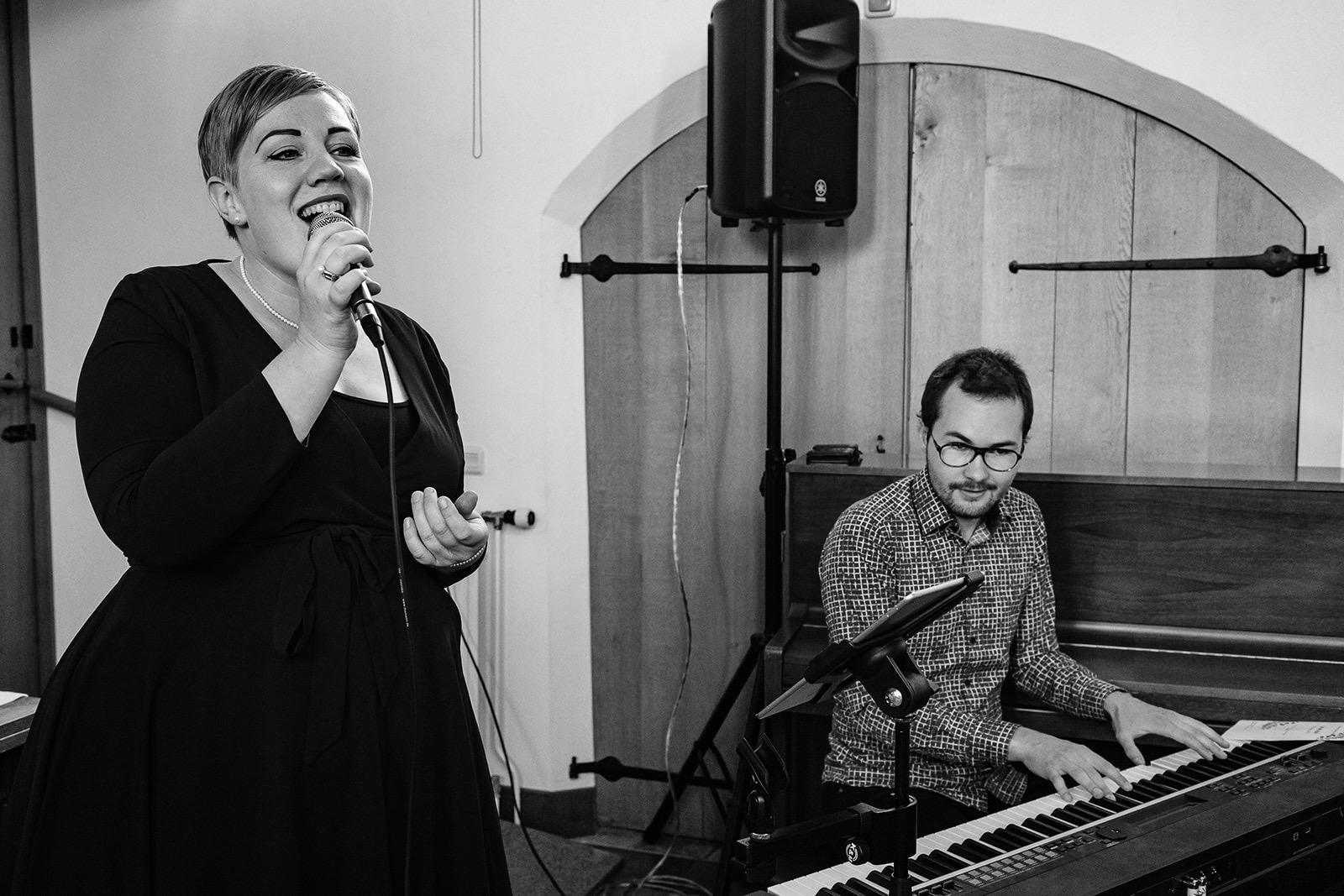 Live christelijke muziek tijdens jullie bruiloft door Bas & Gezina.